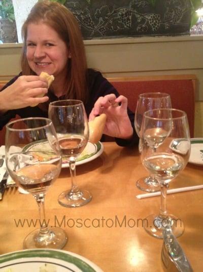 Olive garden porta vita wines moscato mom for Olive garden red wine