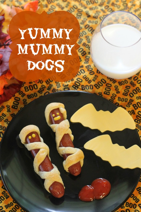 halloween snacks mummy hotdogs