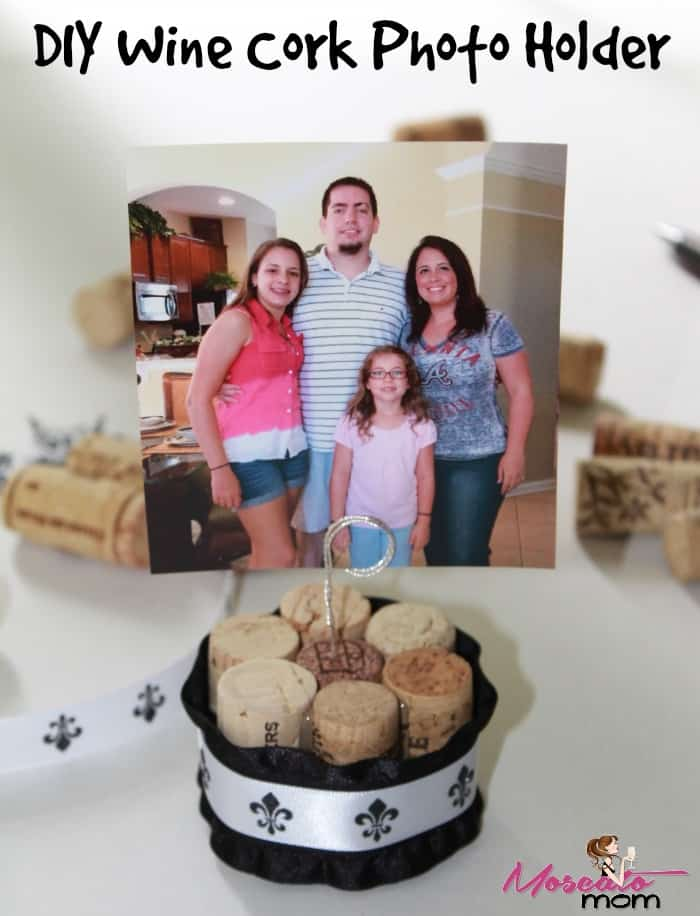 diy wine cork photo holder