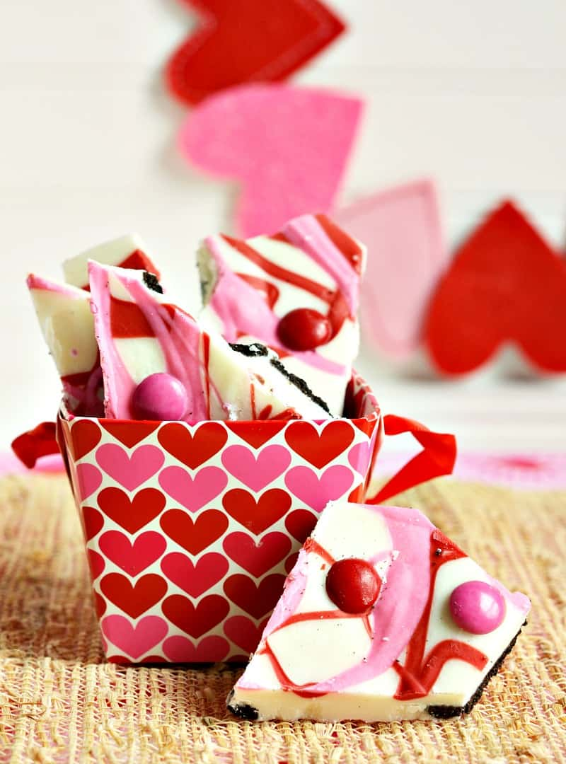 simple valentine's day bark from moscatomom.com
