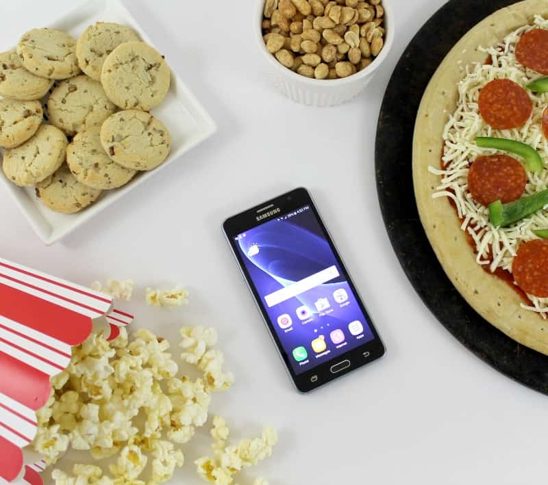 Plan The Perfect Pajama Pizza Party for Your Preteen with Walmart Family Mobile