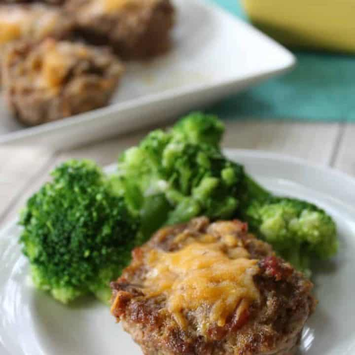 Low Carb Muffin Tin Bacon Cheeseburger Meatloaf