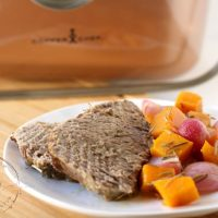 Rosemary and Garlic Roast Beef With Vegetables